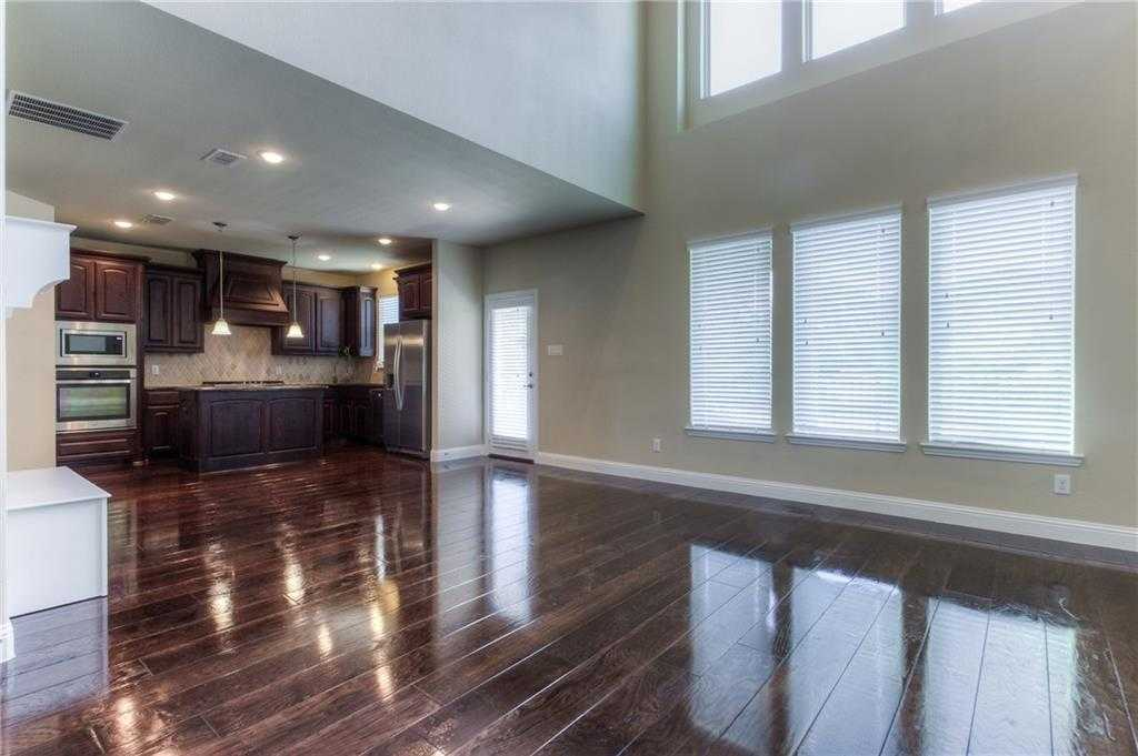 $310,000 - 3Br/3Ba -  for Sale in Bellaire Village, Fort Worth