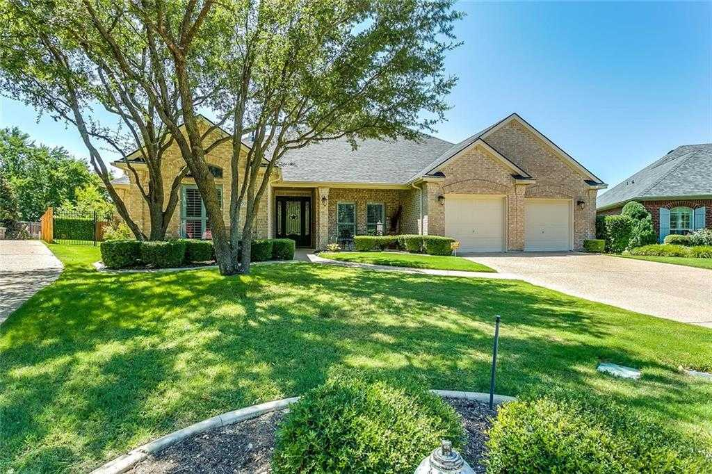 $369,900 - 4Br/2Ba -  for Sale in Briercliff Estates Add, Fort Worth
