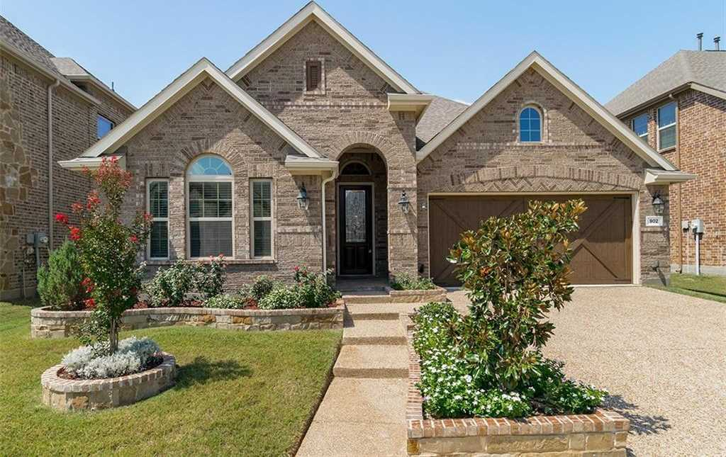 $395,000 - 3Br/3Ba -  for Sale in Enclave At Bear Creek, Euless