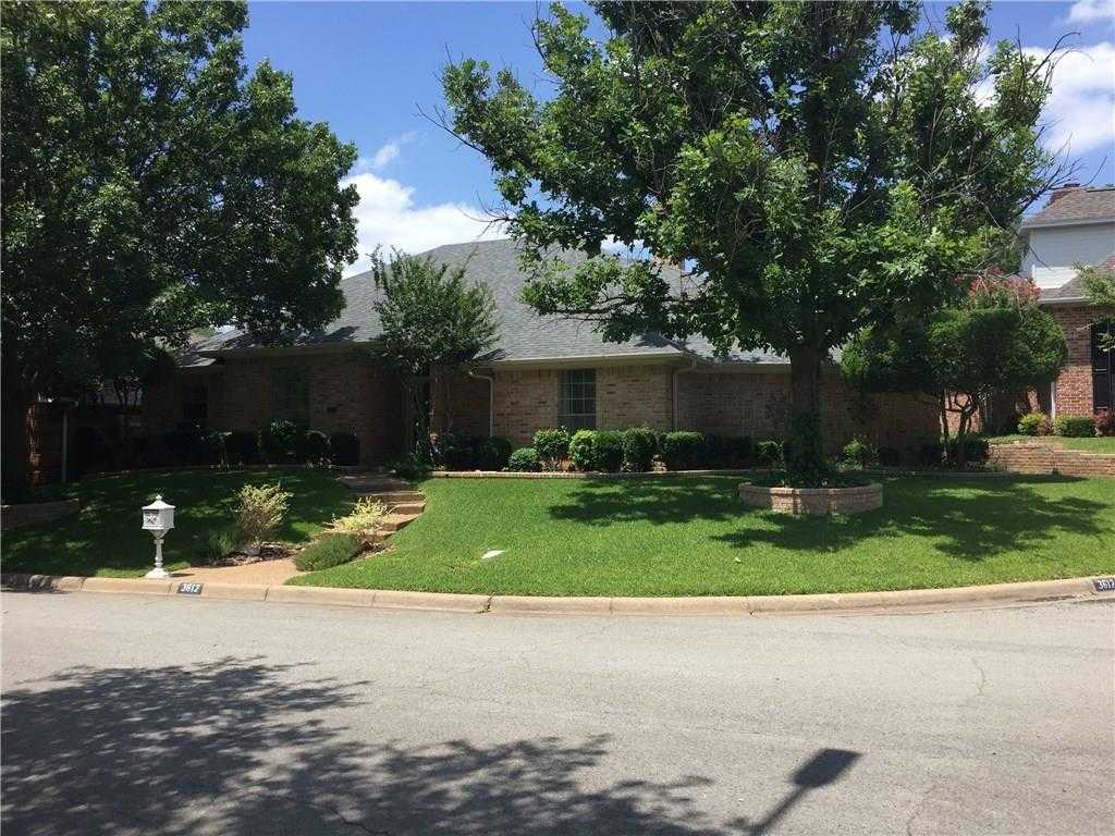 $385,000 - 4Br/3Ba -  for Sale in Allen Place, Fort Worth