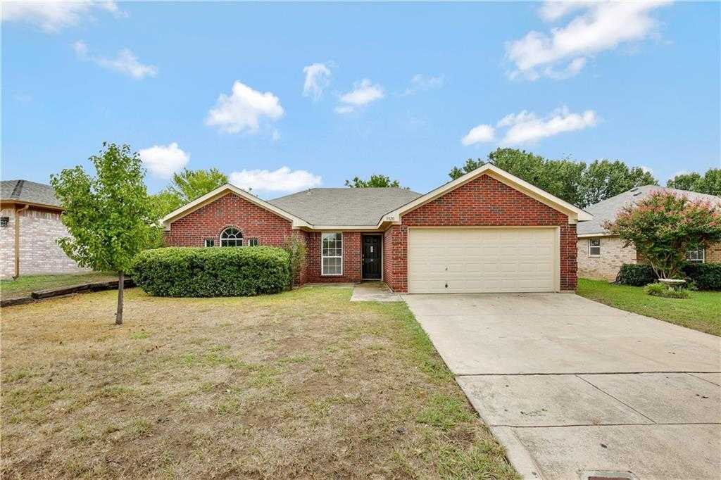 $197,000 - 3Br/2Ba -  for Sale in Summerfields Add, Fort Worth