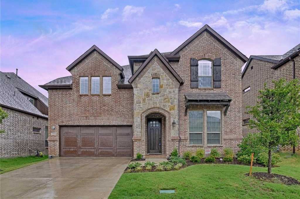 $550,000 - 4Br/4Ba -  for Sale in Glade Parks Residential Add, Euless