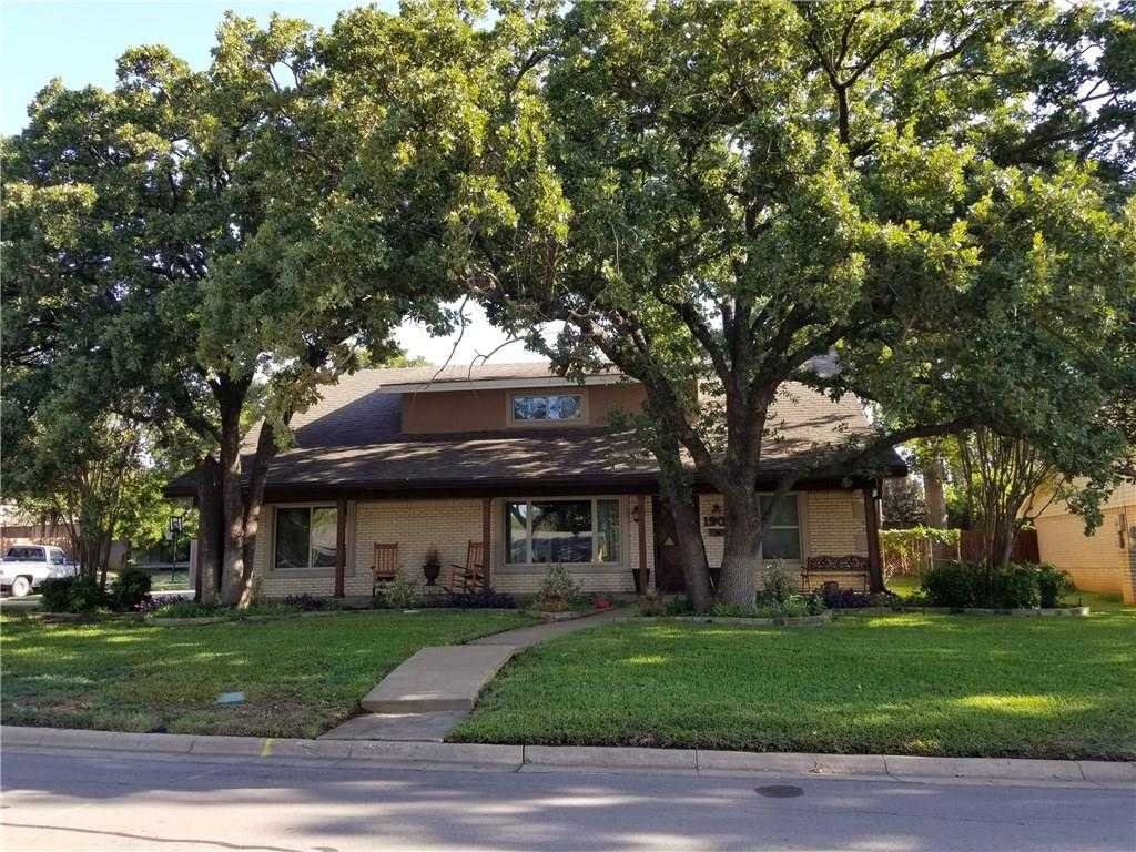 $249,900 - 4Br/2Ba -  for Sale in Wilshire Village Add, Euless