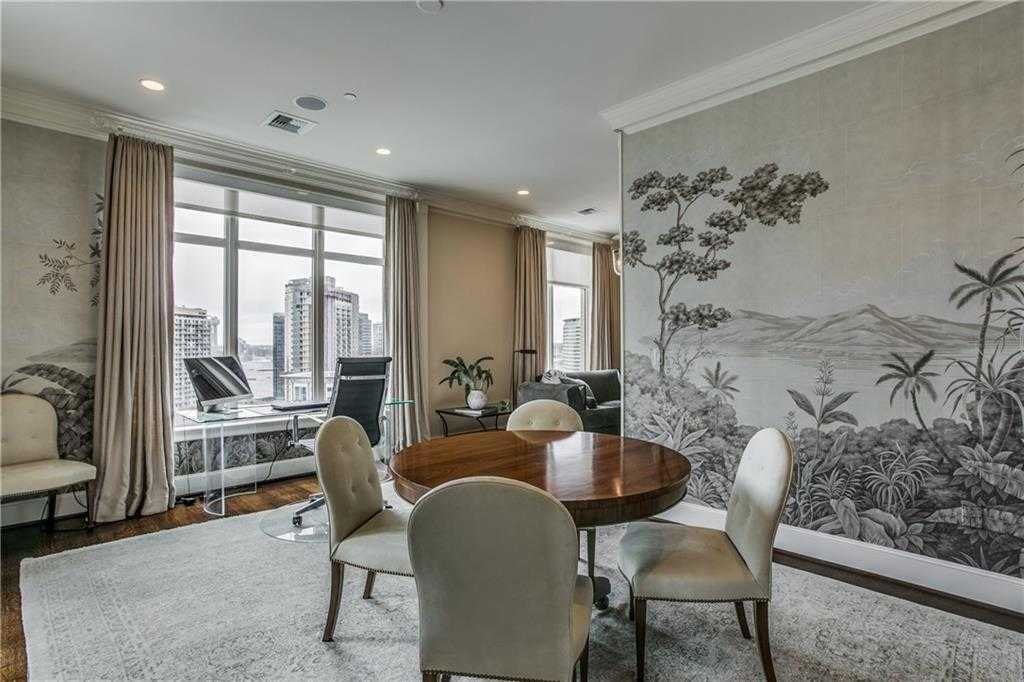 - 2Br/3Ba -  for Sale in Tower & Regency Row Residence Condo, Dallas
