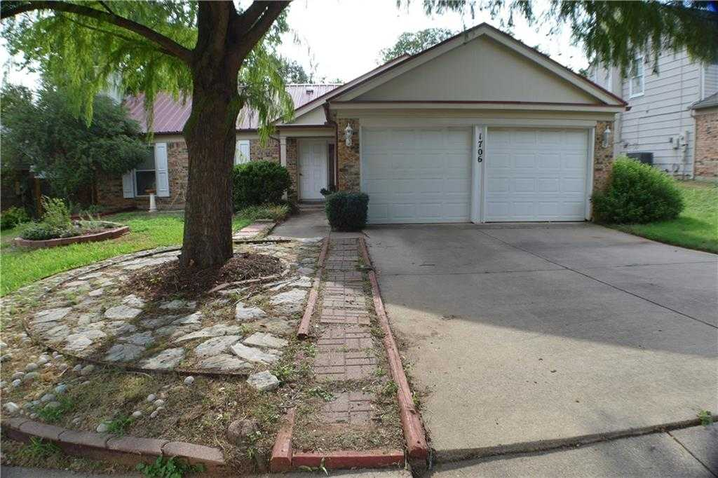 $258,800 - 3Br/2Ba -  for Sale in Woodlands Iii Add, Euless
