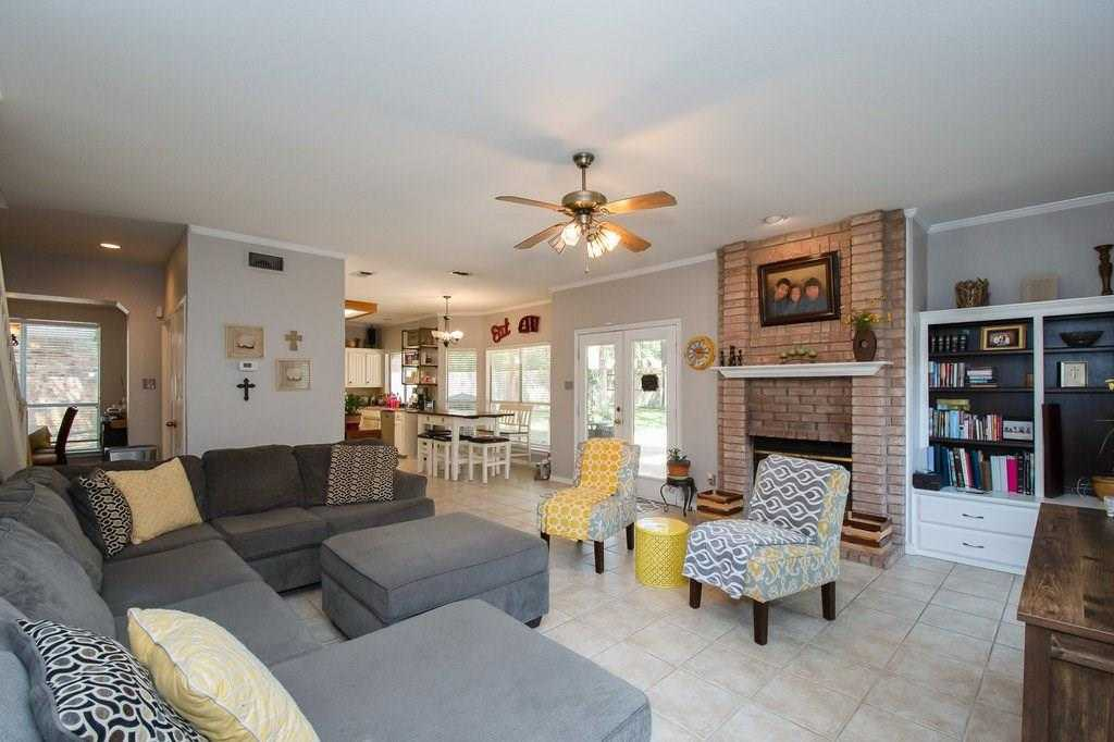 $375,000 - 4Br/3Ba -  for Sale in Woodbury Forest Add, Euless