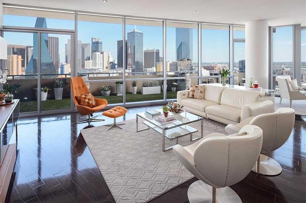 $1,175,000 - 2Br/3Ba -  for Sale in House, Dallas