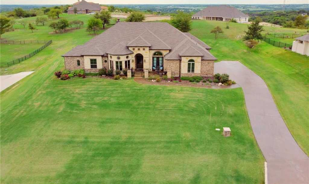 $569,900 - 4Br/4Ba -  for Sale in Bella Flora, Fort Worth