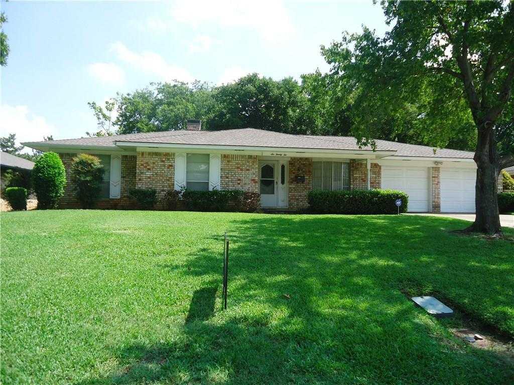 $199,900 - 4Br/3Ba -  for Sale in Gaslite Estates, Arlington