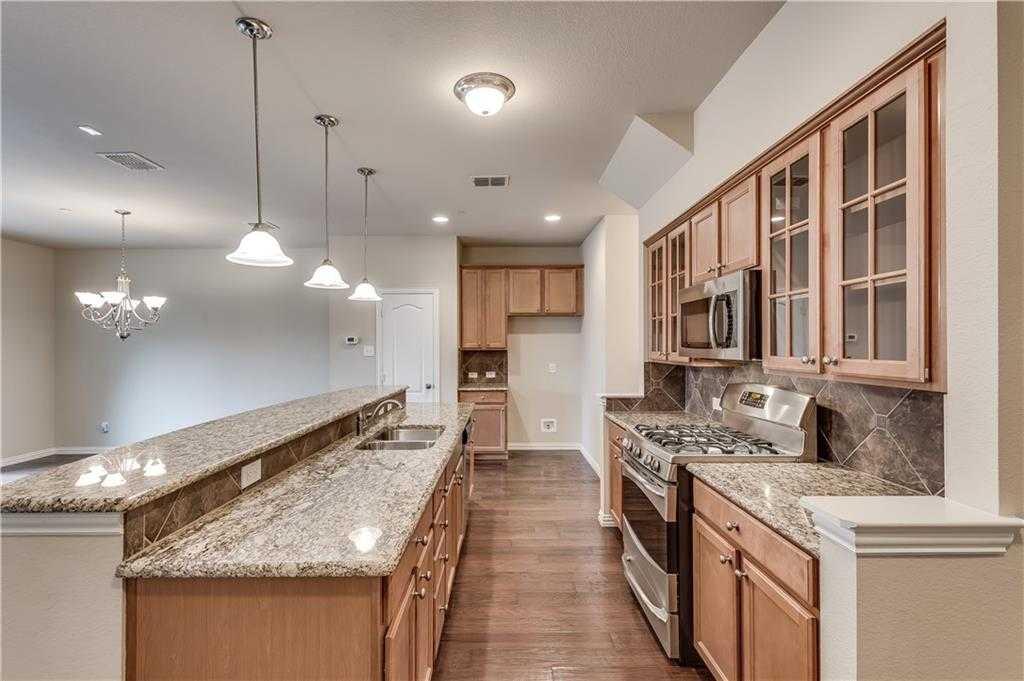 $298,000 - 3Br/3Ba -  for Sale in Settlers Village Ph 1, Lewisville