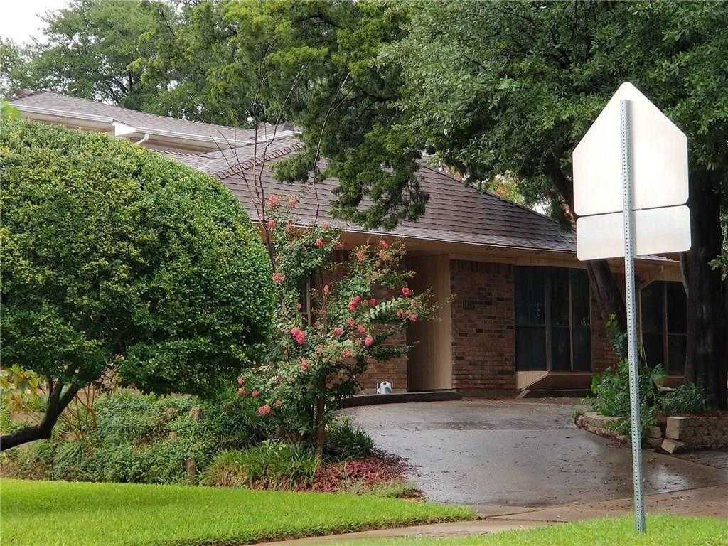 $299,600 - 6Br/5Ba -  for Sale in Park Forest Add 3, Plano