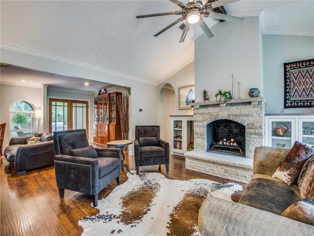 $300,000 - 3Br/3Ba -  for Sale in Hurst Hills Add, Hurst
