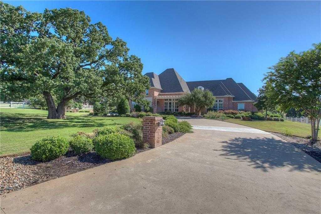$1,350,000 - 5Br/5Ba -  for Sale in Green Acres, Keller