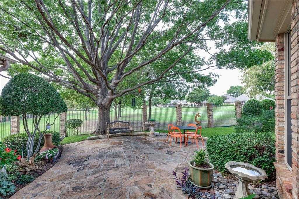 $449,000 - 3Br/3Ba -  for Sale in Meadow Lakes Add, North Richland Hills