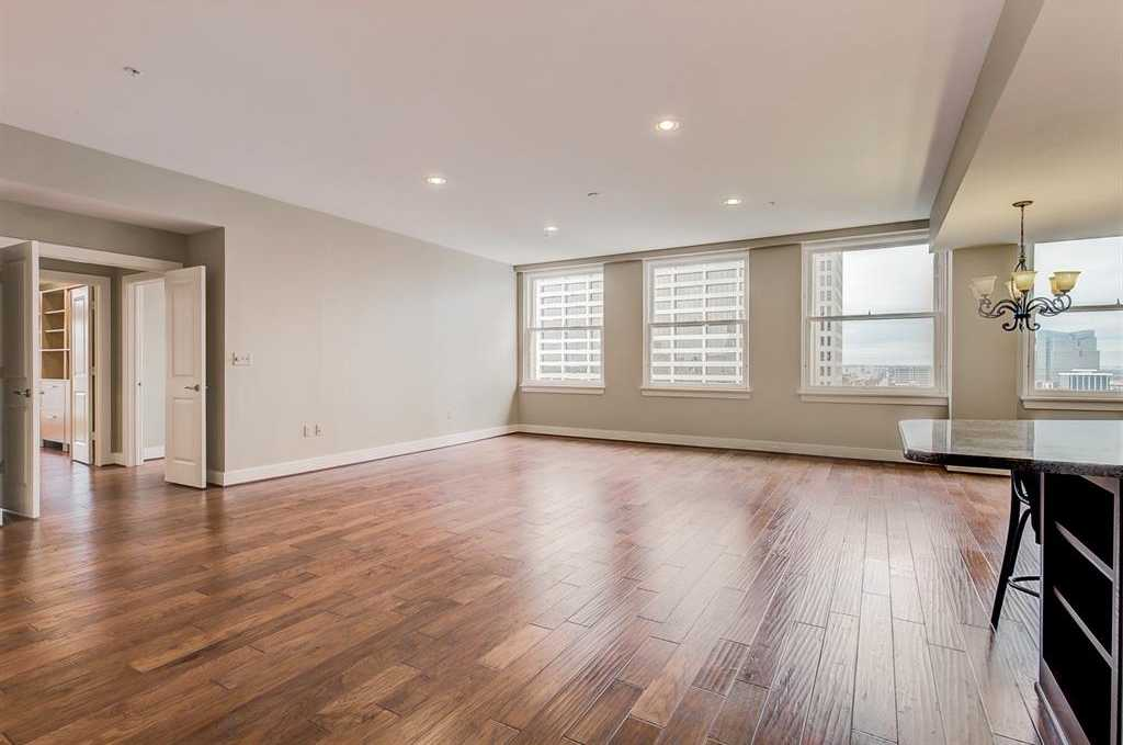 $599,000 - 2Br/3Ba -  for Sale in Neil P At Burnett Park Condo, Fort Worth