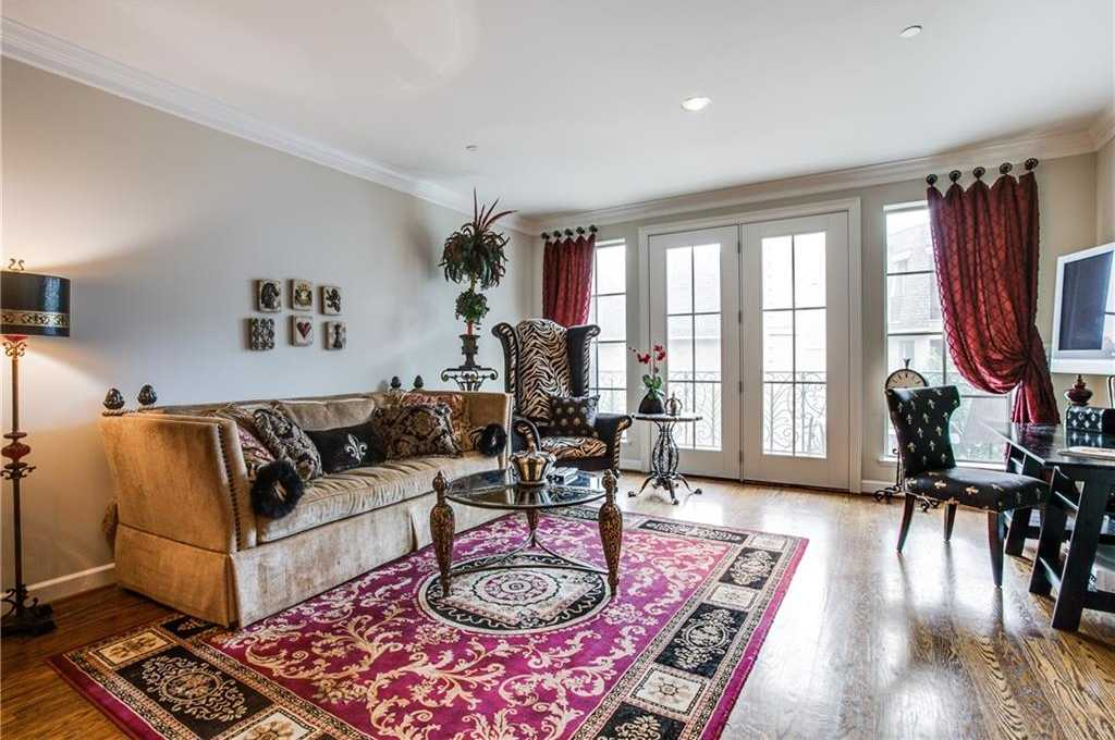 - 1Br/2Ba -  for Sale in Metropolitan Club, Dallas