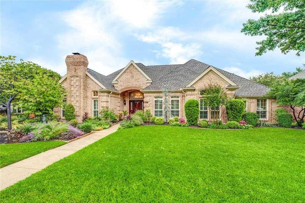 $500,000 - 4Br/3Ba -  for Sale in Brookwood Hills, Bedford