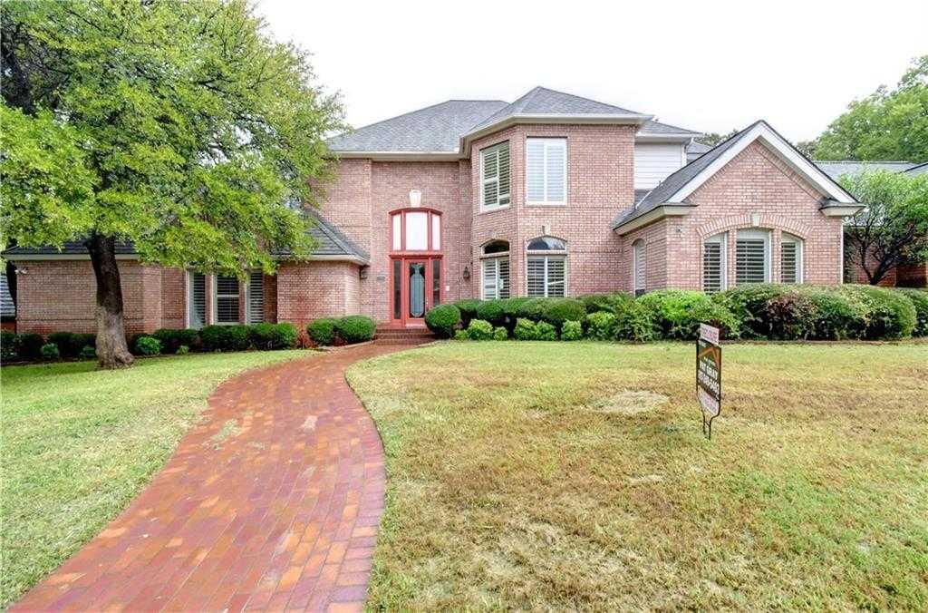 $637,500 - 4Br/4Ba -  for Sale in Deerwood Park Add, Arlington