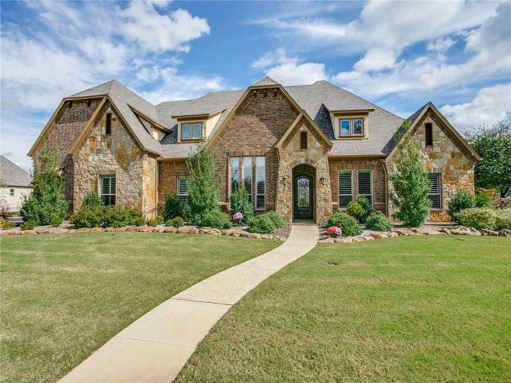 $925,000 - 5Br/5Ba -  for Sale in Lakes Add, Keller