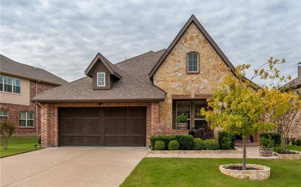 $375,000 - 3Br/3Ba -  for Sale in River Hills Ii Add, Fort Worth