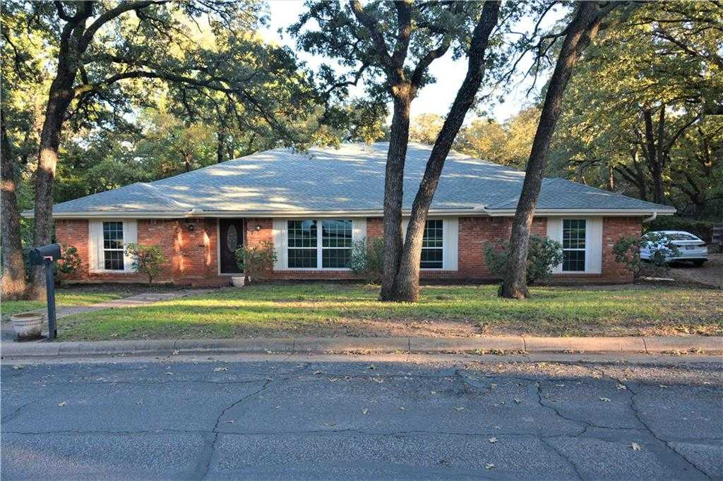$399,950 - 4Br/3Ba -  for Sale in Trailwood Add, Euless