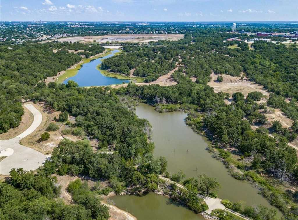 $12,000,000 - Br/0.00Ba -  for Sale in Canyon Lake Ranch Inc Add, Corinth