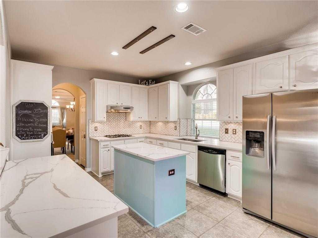 $350,000 - 6Br/4Ba -  for Sale in Lake Pointe Estates, Arlington