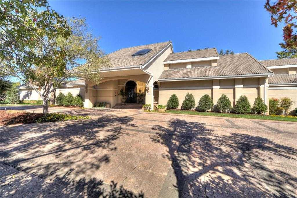 $2,350,000 - 4Br/6Ba -  for Sale in Nichols Hills