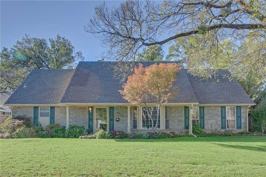 $326,400 - 4Br/4Ba -  for Sale in Roberts Penwood, Oklahoma City