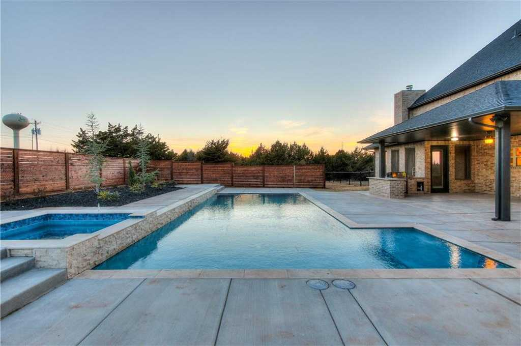 $840,000 - 5Br/5Ba -  for Sale in Beaupre, Arcadia
