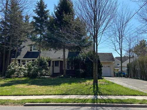 $699,000 - 4Br/2Ba -  for Sale in Roslyn Heights