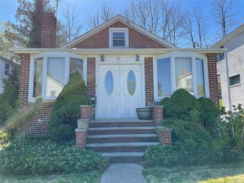 $649,000 - 4Br/1Ba -  for Sale in Roslyn Heights