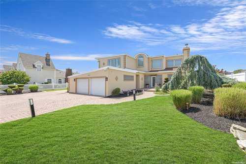 $1,499,000 - 5Br/4Ba -  for Sale in Massapequa