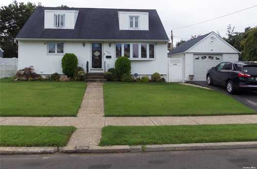 $545,000 - 4Br/1Ba -  for Sale in Seaford