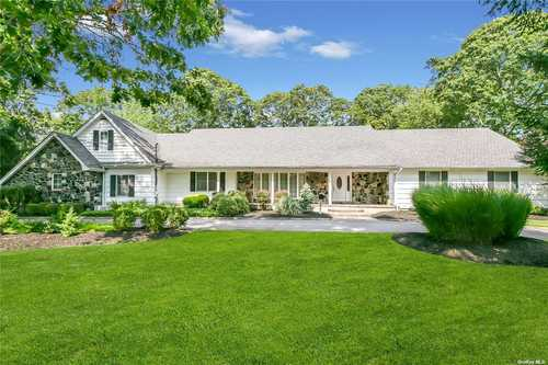 $1,200,000 - 3Br/3Ba -  for Sale in East Islip