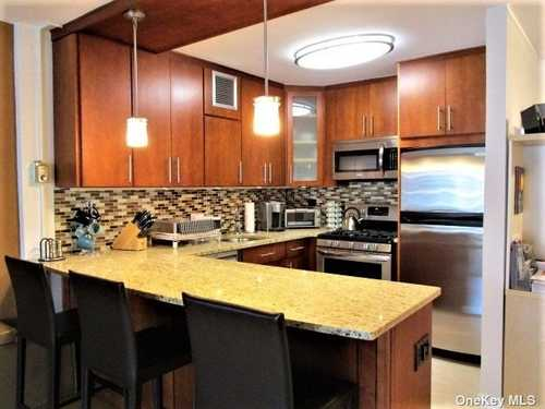 $439,000 - 1Br/1Ba -  for Sale in Towers Of Waters Edge, Bayside