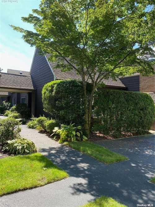 $528,000 - 1Br/1Ba -  for Sale in Southgate, Massapequa Park