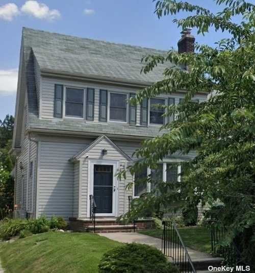$978,888 - 3Br/3Ba -  for Sale in Flushing