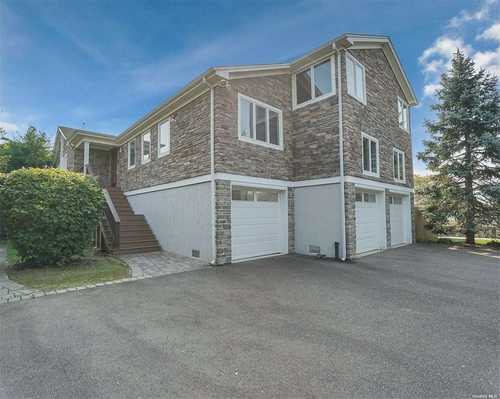 $1,150,000 - 4Br/3Ba -  for Sale in Amityville