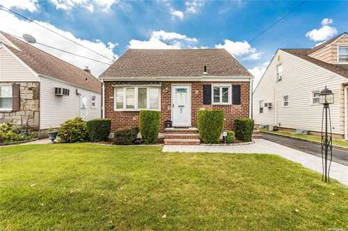 $628,000 - 3Br/2Ba -  for Sale in Mineola