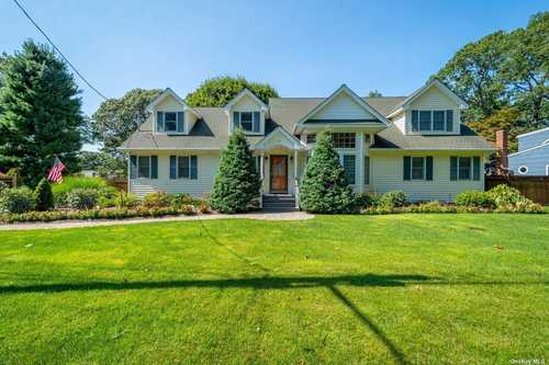 $699,995 - 4Br/3Ba -  for Sale in S. Huntington