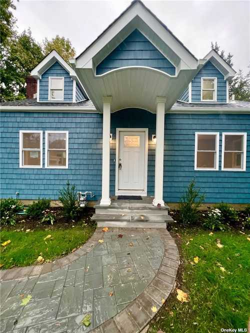 $549,990 - 3Br/2Ba -  for Sale in St. James