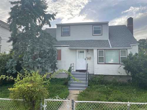 $489,000 - 4Br/2Ba -  for Sale in Freeport