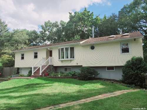 $499,997 - 4Br/3Ba -  for Sale in Centereach