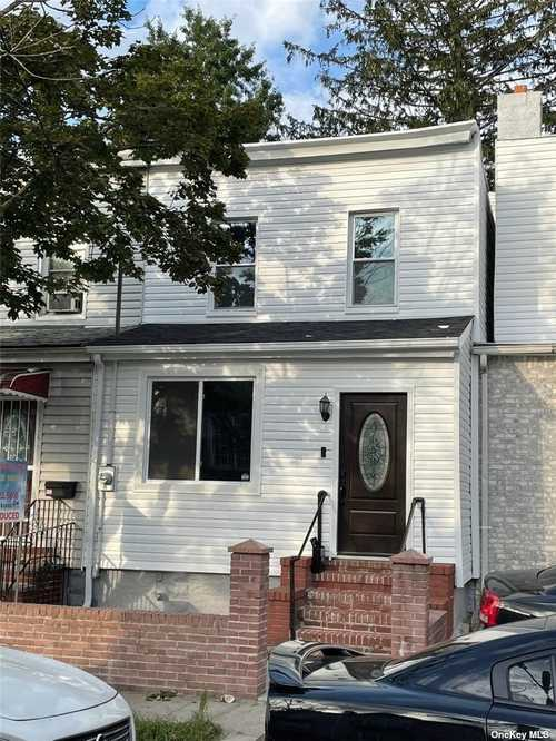 $599,000 - 3Br/2Ba -  for Sale in Richmond Hill S.