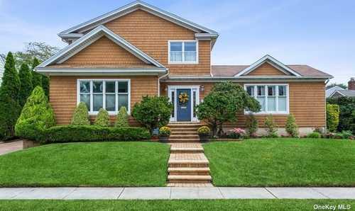 $1,549,000 - 4Br/3Ba -  for Sale in Garden City