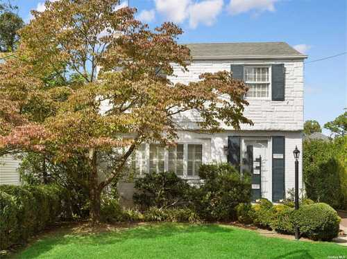 $949,000 - 3Br/2Ba -  for Sale in Little Neck
