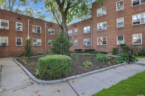 $315,000 - 2Br/1Ba -  for Sale in Roslyn Gardens, Roslyn Heights