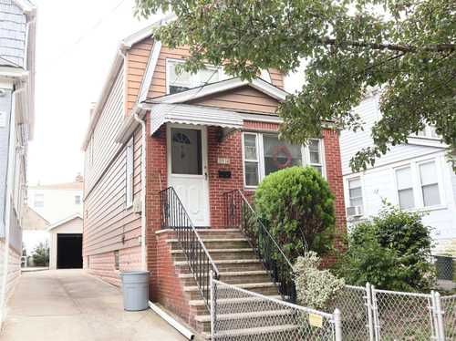 $749,000 - 3Br/1Ba -  for Sale in College Point
