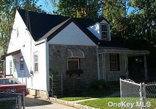 $510,000 - 4Br/3Ba -  for Sale in Uniondale